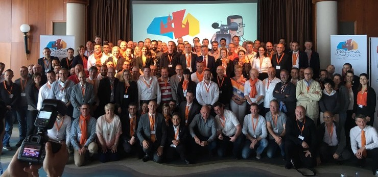 Une équipe de franchisés Diagamter lors d'une convention